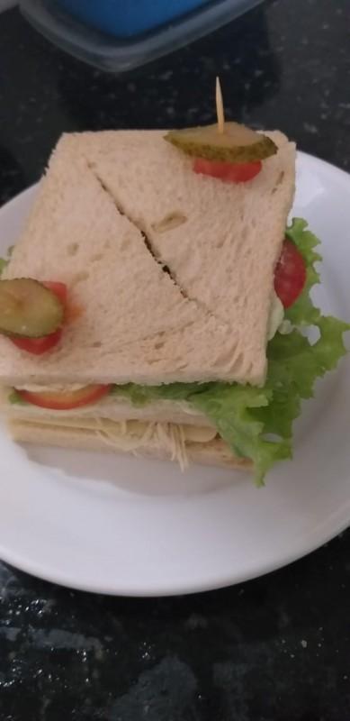 Sanduíche Cascão de Pernil